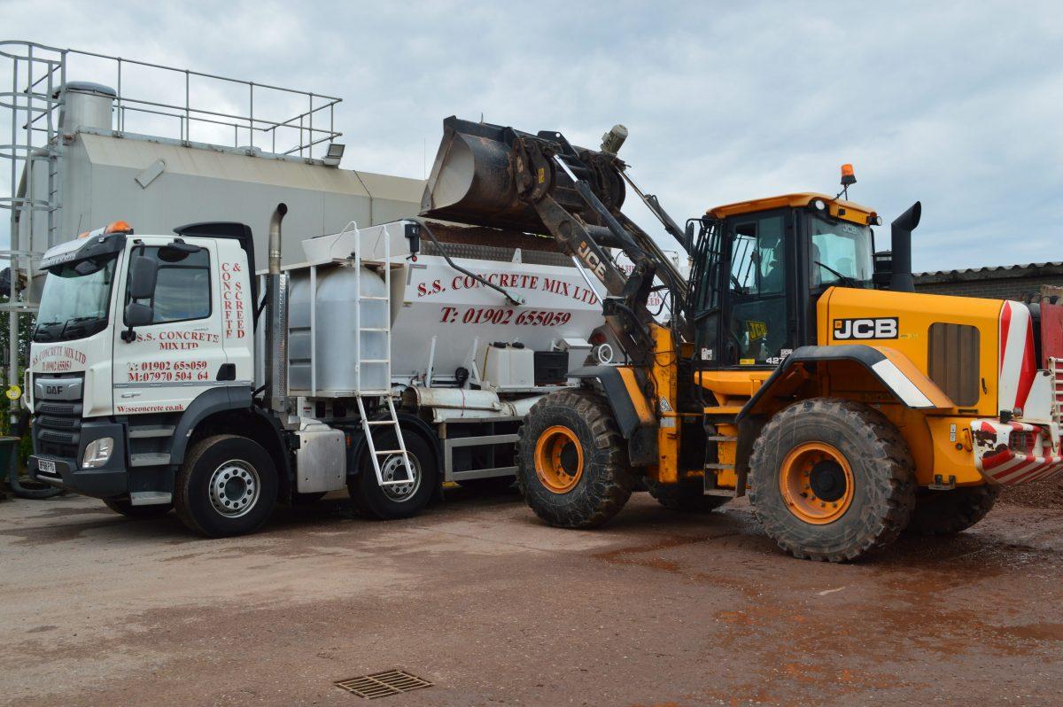 Ready Mix Concrete Wolverhampton | Concrete Pumping - SS